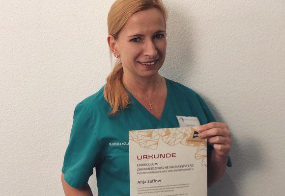 Anja Zeffner absolviert Curriculum Zahnmedizinische Fachassistenz Implantologie & Implantatprothetik (ZMFI)